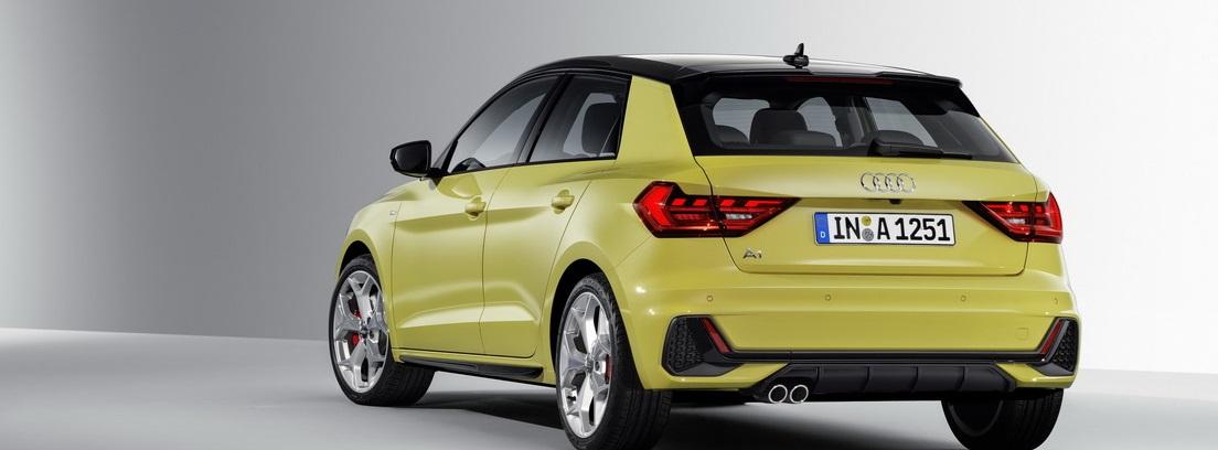Vista trasera del nuevo Audi A1 Sportback en color amarillo