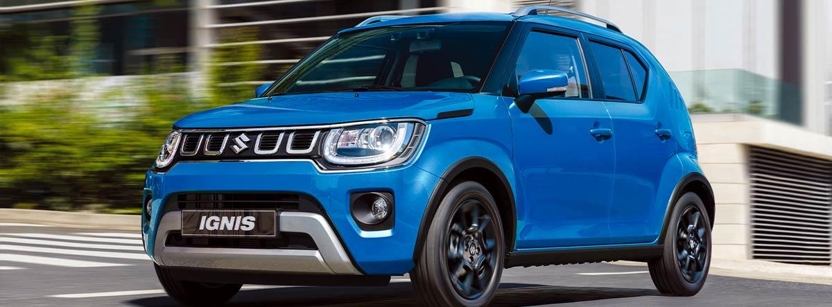 Suzuki Ignis en azul circulando por la ciudad