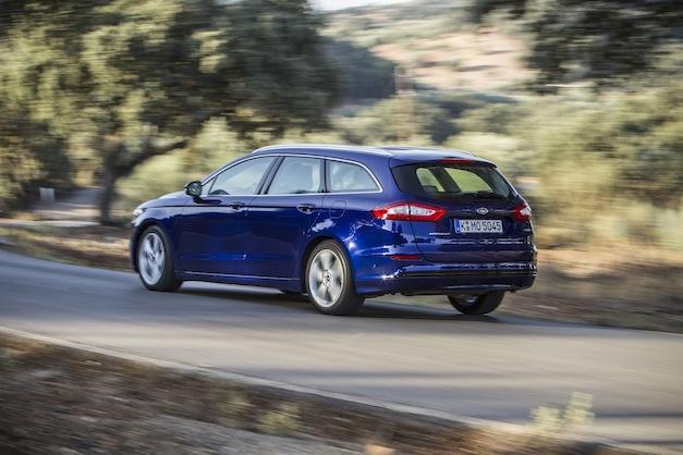 Último Ford Mondeo contra el Volkswagen Passat
