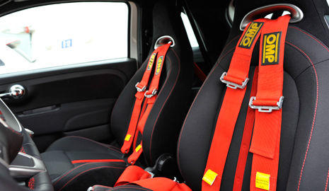 Interior Fiat 500 del Rally Center by Abarth