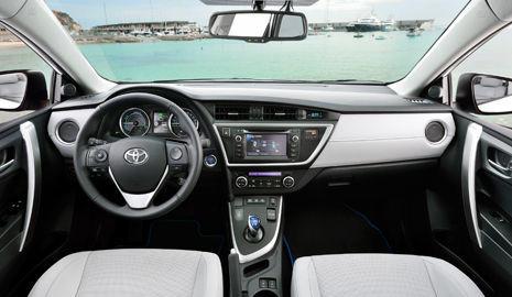 Interior Toyota Auris Touring Sports