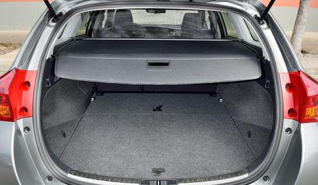 Maletero Toyota Auris Touring Sports
