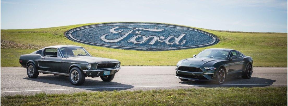 Dos coches Ford Mustang Bullitt