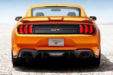 Ford Mustang 2018 visto desde atrás