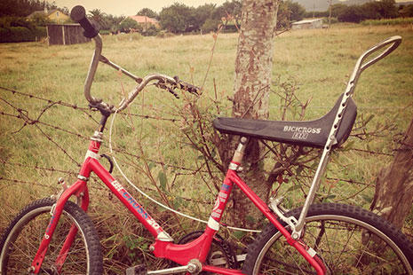 La mitica y antigua BH Bicicross en color rojo