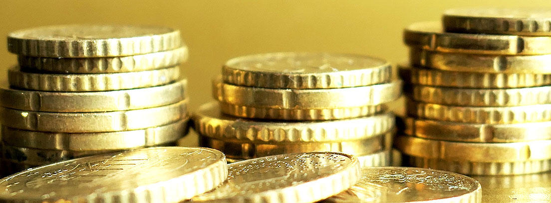 Columna de monedas de euro