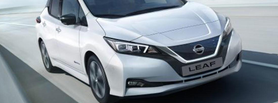 Frontal de Nissan Leaf 2018 blanco