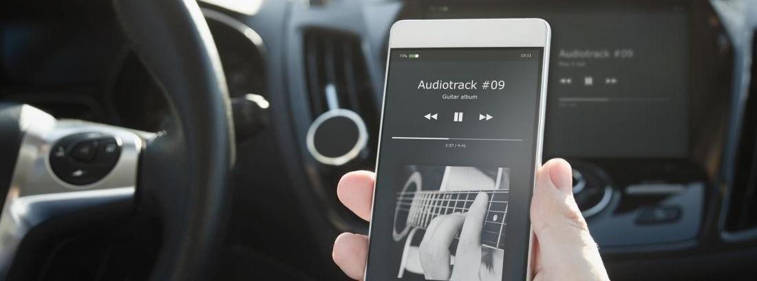 Accesorios para escuchar Spotify en el coche