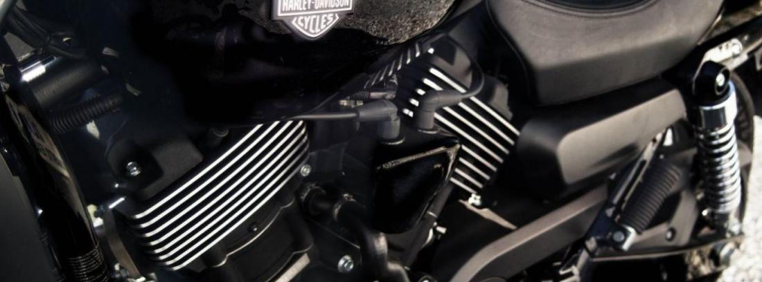 Cómo limpiar el motor de una moto