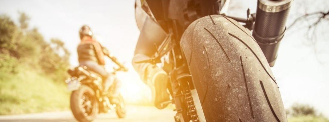 Consejos de conducción deportiva en moto