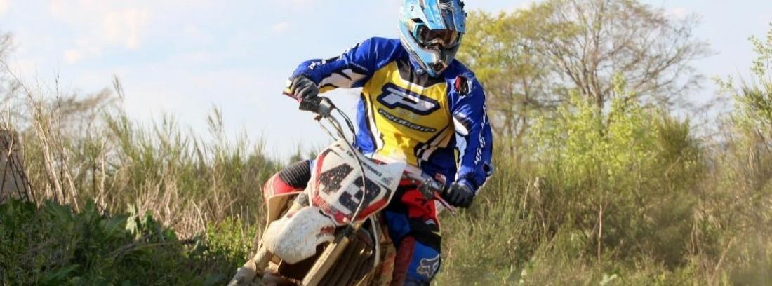Consejos para elegir el mejor mono de moto