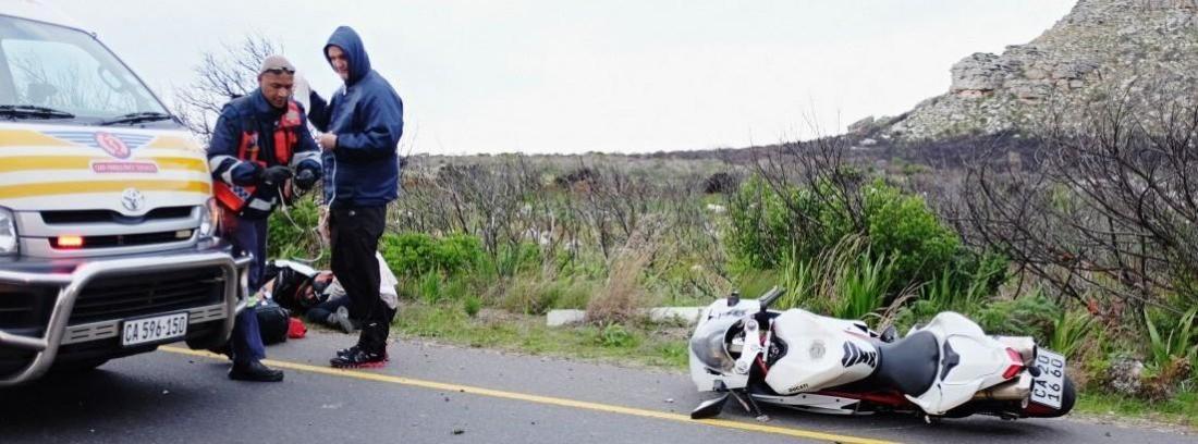 Consejos para evitar las caídas en moto