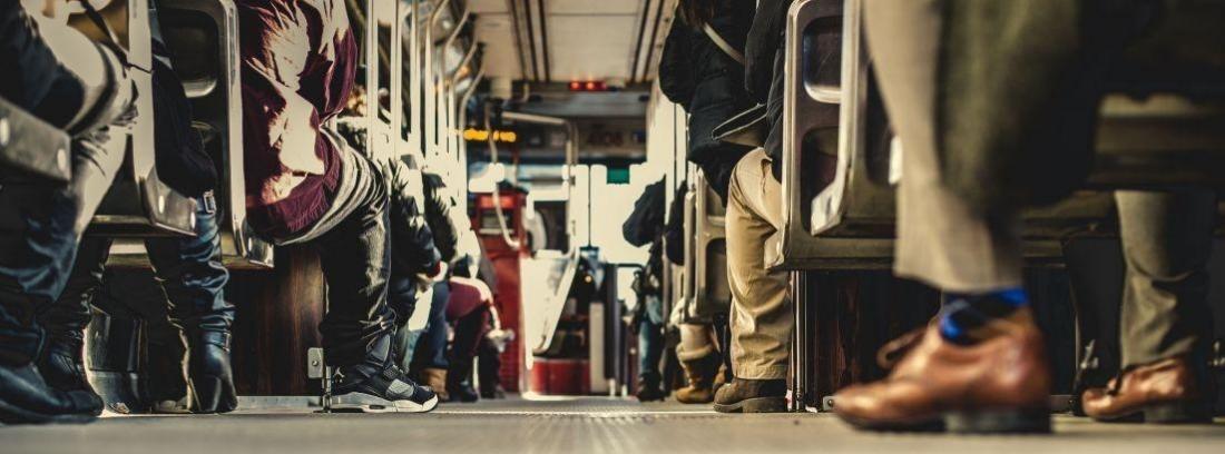 ¿Cuál es el asiento más seguro en un autobús?