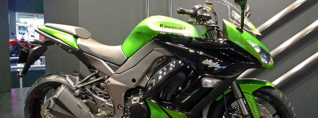 Kawasaki Ninja H2 SX Sport Tourer verde