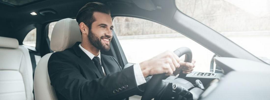 ¿Cuántas prácticas de coche se recomiendan para aprobar?