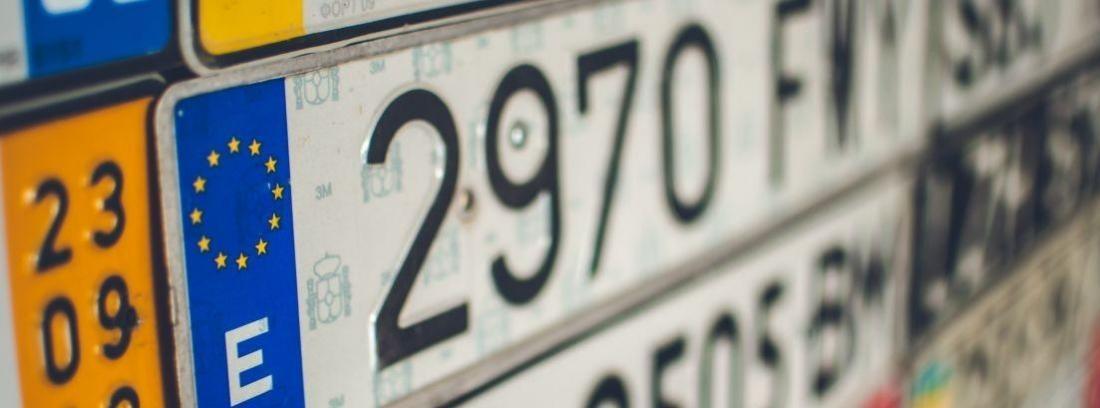 Diferencias entre matrículas metálicas y matrículas plásticas