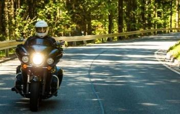 Moto en examen de conducir de carnet A
