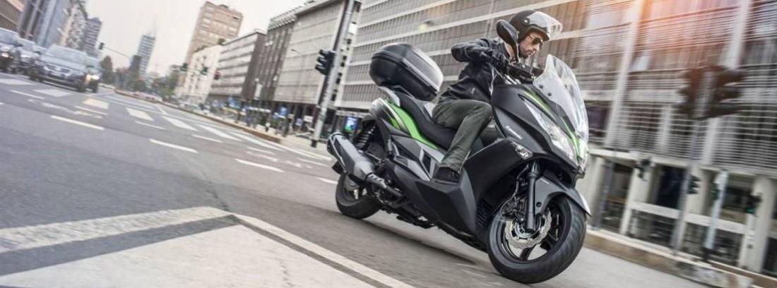 Scooter Kawasaki J300 2014