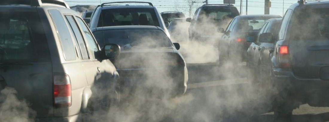 humo de tubos de escape