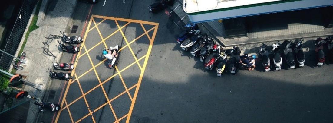 Normativa para aparcar moto ¿vale cualquier lado?