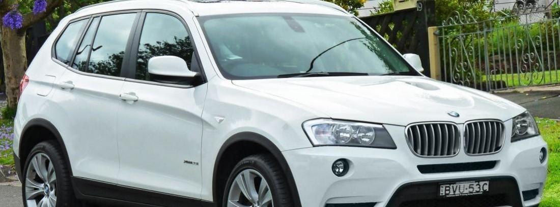 Nuevo BMW X3 de color blanco