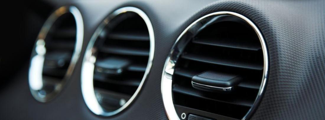 tres salidas del aire acondicionado del coche