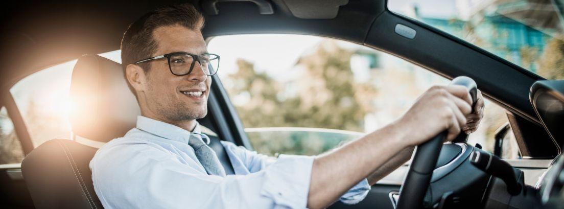 7ba7a0e421 Qué es mejor para conducir, ¿gafas o lentillas?