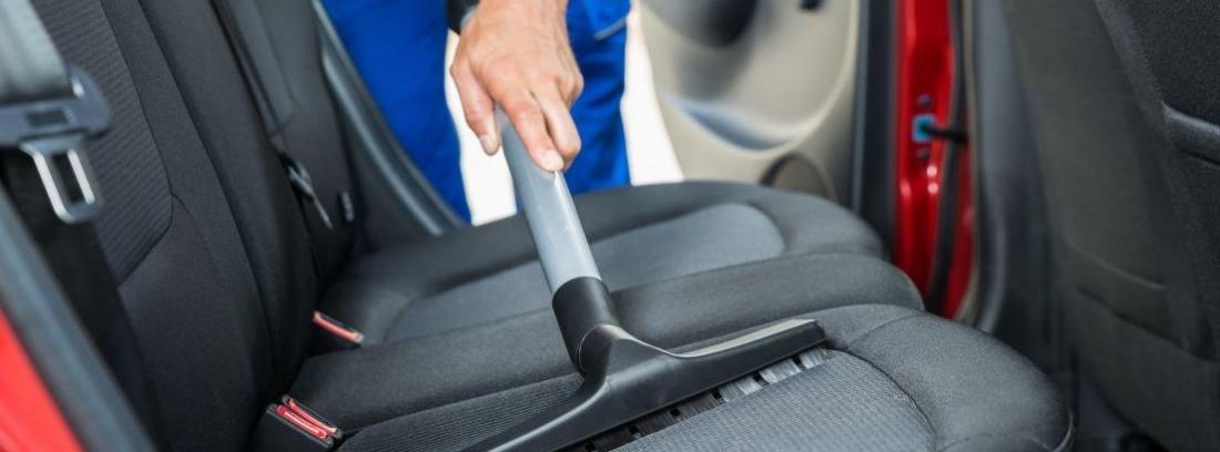 trucos para limpiar la tapiceria del coche