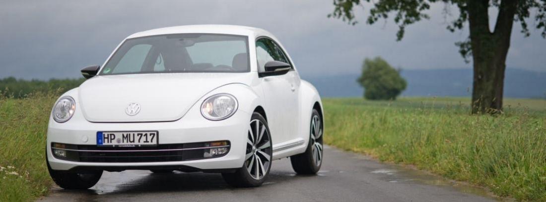 Vista lateral del nuevo Volkswagen Beetle