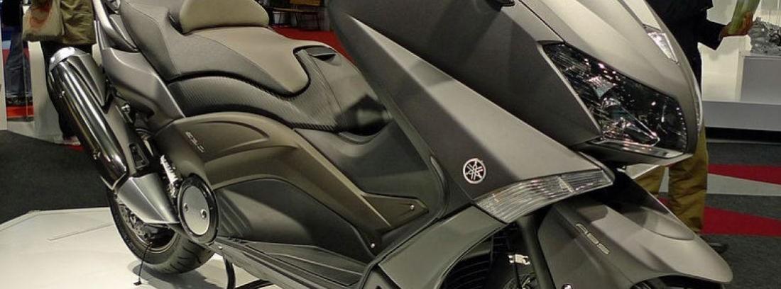 Yamaha T-Max Black Max 2013