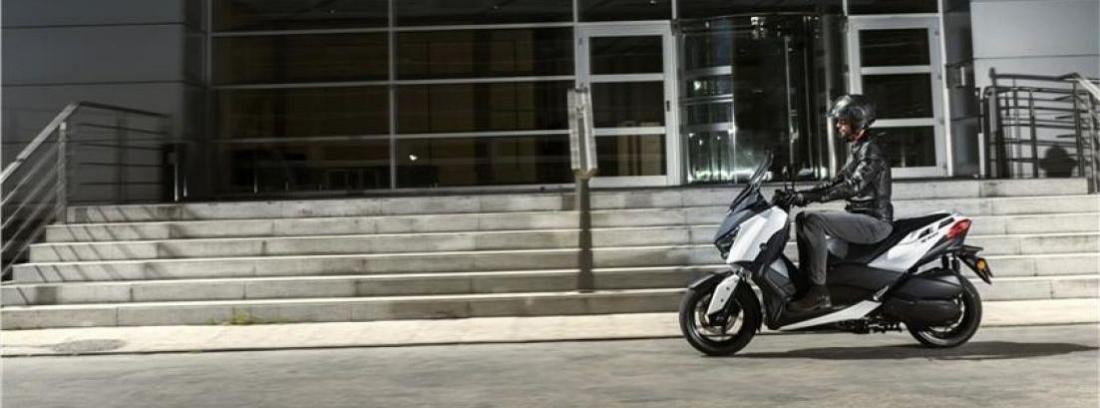 Yamaha X-Max Executive 2013