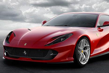 Morro del Ferrari 812 Superfast rojo