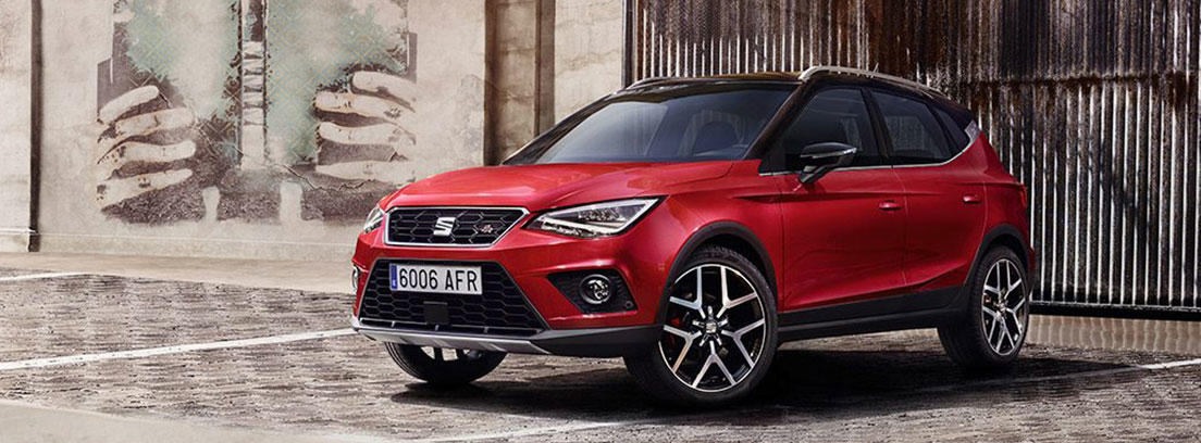 Seat Arona de color rojo