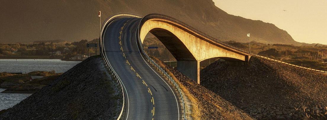La carretera del Atlántico en Noruega