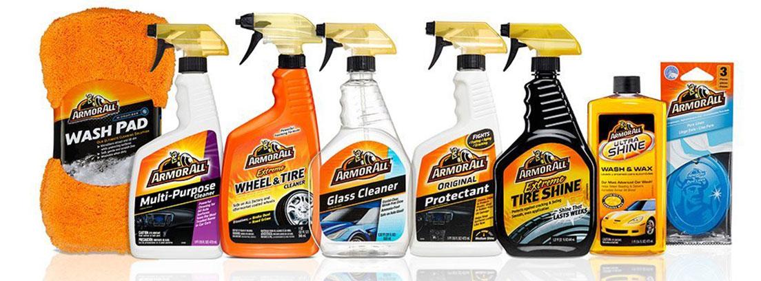 Kit de productos ArmorAll para limpiar el coche