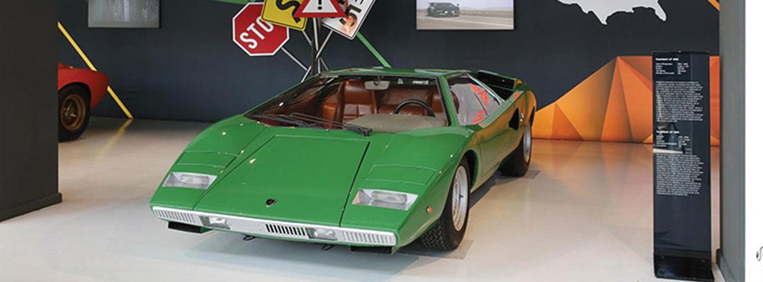 Lamborghini Countach verde