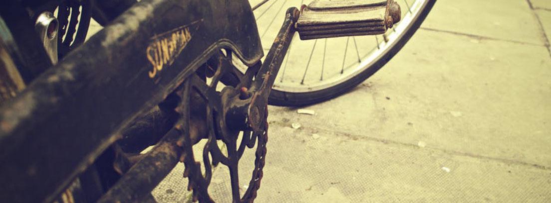 Los cuatro pasos para cambiar la cadena de la bici