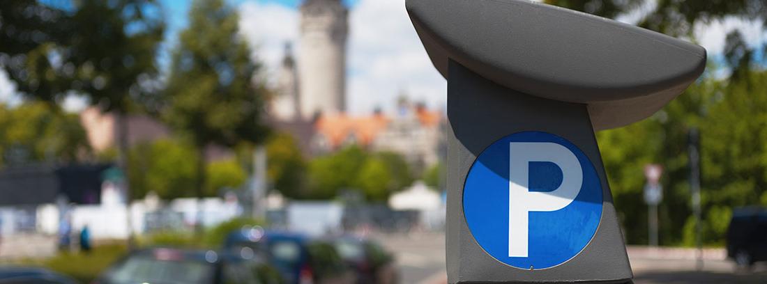Parquímetro en una zona azul de Madrid