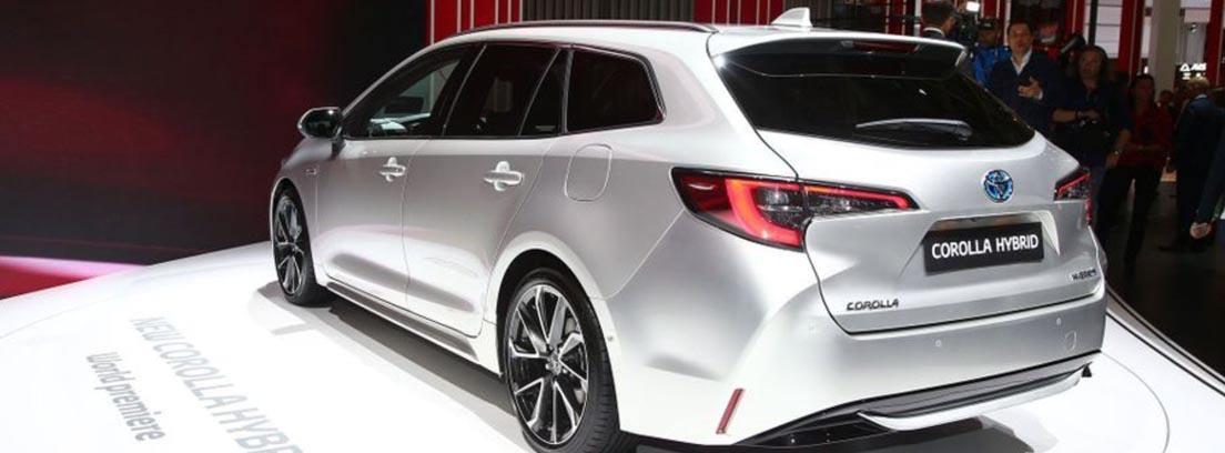 Parte trasera del Toyota Corolla Hybrid Touring Sports, presentado en el Salón de París 2018
