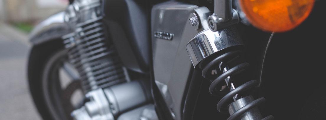 Cómo regular la suspensión de la moto