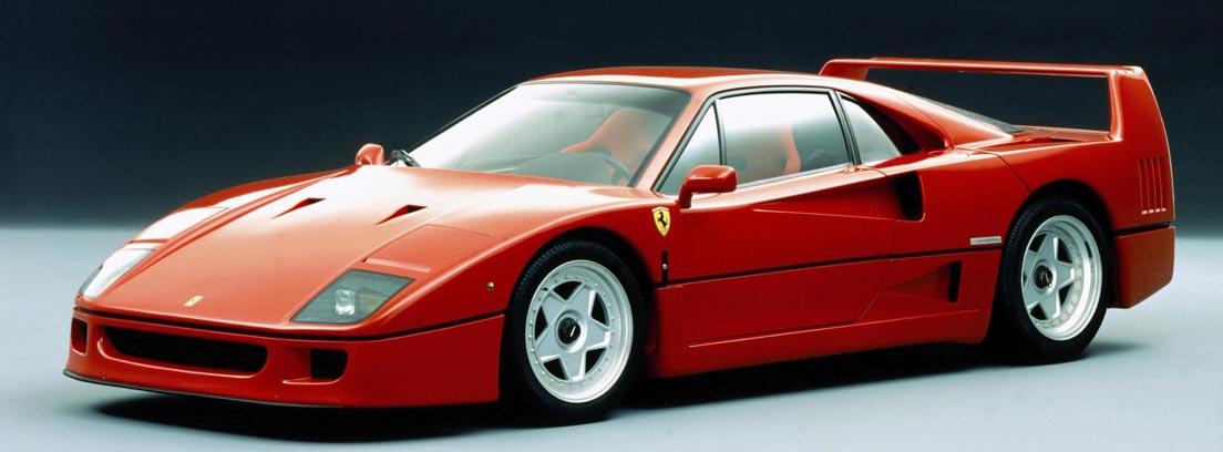 Ferrari H50 rojo uno de los deportivos icónicos de los 90