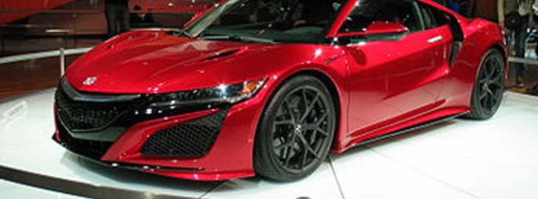 Honda NSK de color rojo que es uno de los deportivos más míticos de los 90