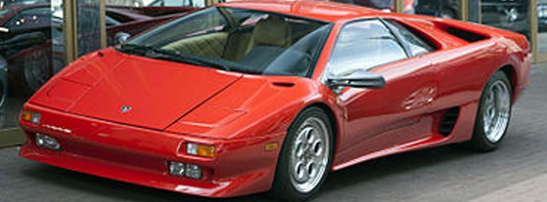Lamborghini Diablo de color rojo en los 90