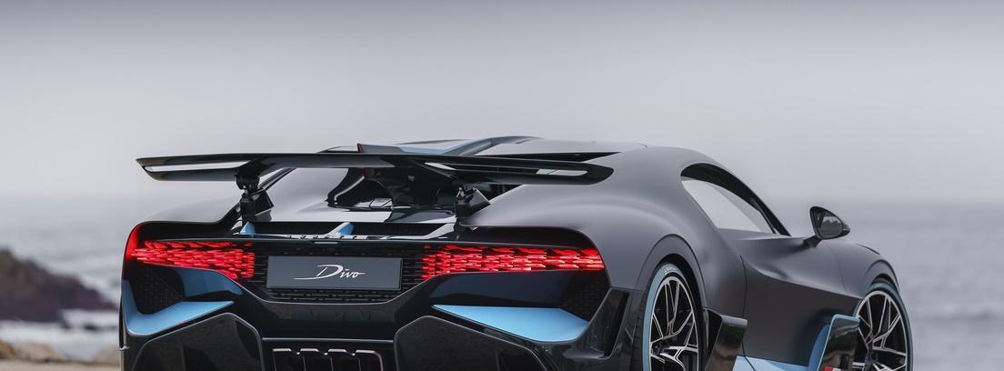 Vista trasera del Bugatti Divo y su alerón