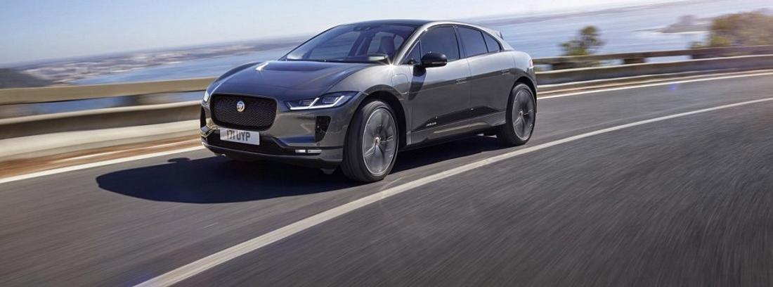 Jaguar I-Pace en carretera