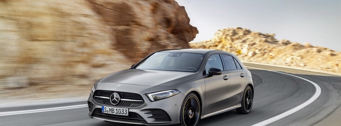 Mercedes Clase A en carretera
