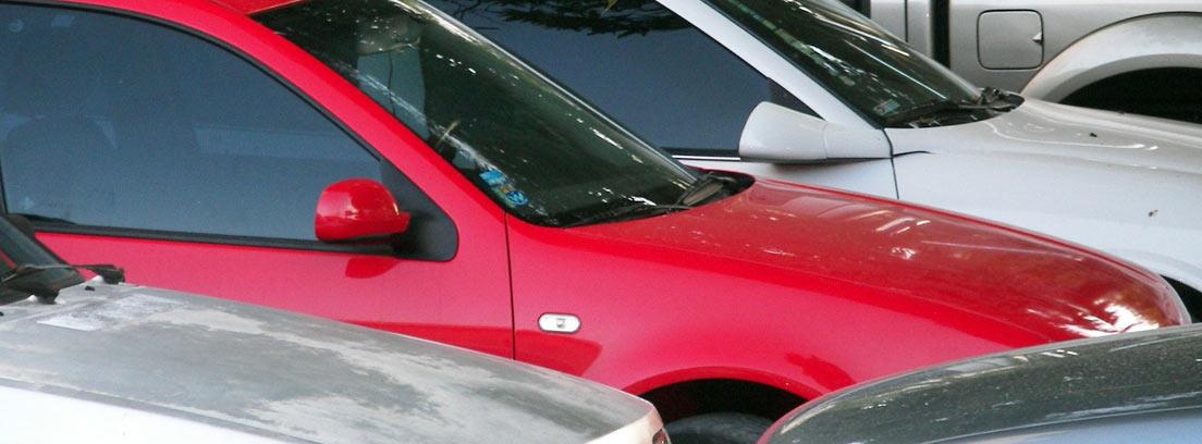 Diferentes coches de renting preparados para alquilar