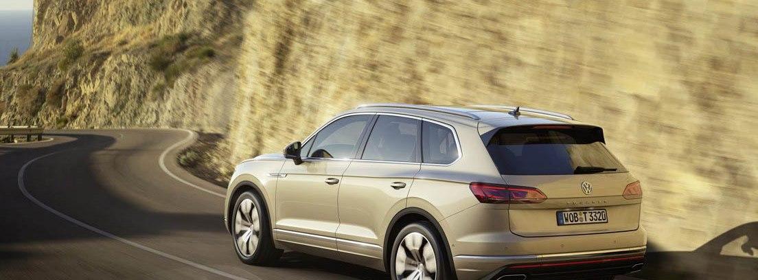 Volkswagen Touareg en carretera