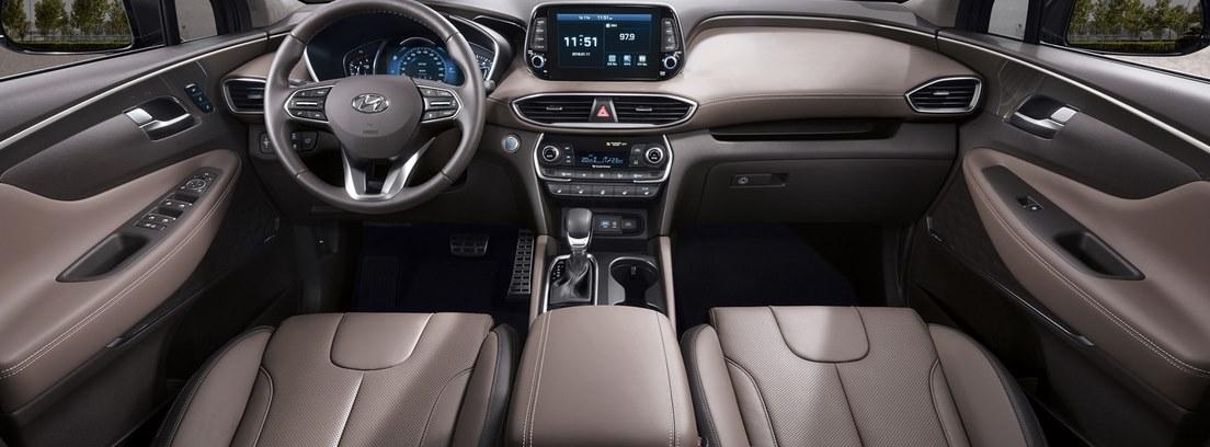 Vista interior del cuadro de mandos del nuevo Hyundai Santa Fe