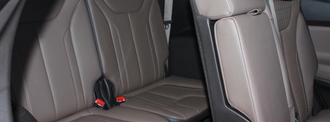 Detalle de los asientos grises del Hyundai Santa Fe 2.2